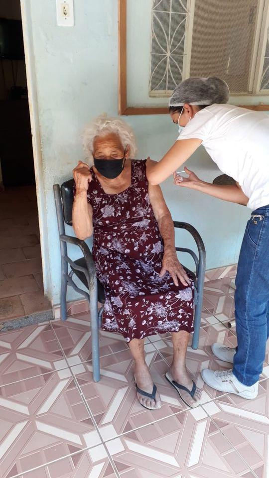 Dom Joaquim inicia vacinação de idosos contra COVID-19