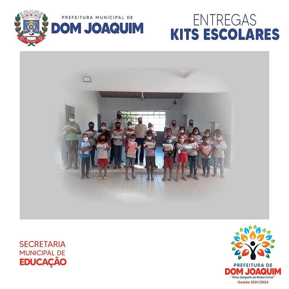 A Prefeitura Municipal de Dom Joaquim juntamente com a Secretaria Municipal de Educação, mobilizou no mês de julho, no dia 14/07, a distribuição do Kits escolares para os alunos da rede municipal, seguindo todos os protocolos sanitários de higienização.